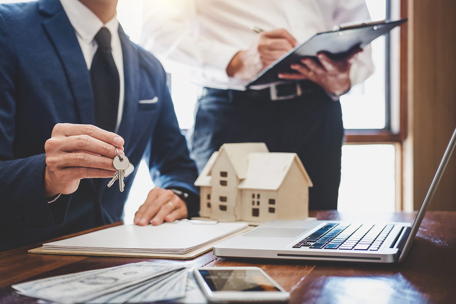 Things you should know before becoming a real estate agent